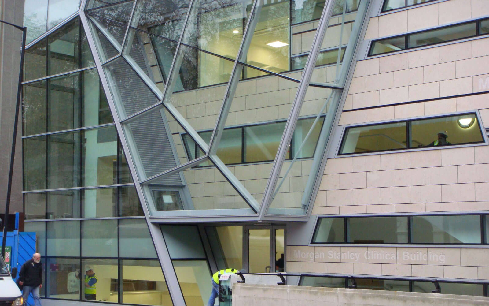 Green architects 'sedum' roofs for Great Ormond Street Hospital
